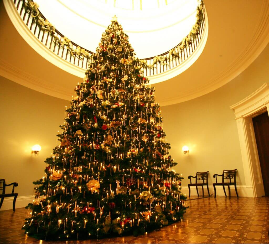 holidays-at-the-old-governors-mansion-1478288646